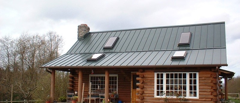 This Roof Is 26 Gauge 16u2033 Skyline In Forest Green.
